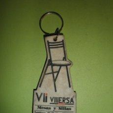 Coleccionismo de llaveros: LLAVERO ANTIGUO VIERSA MESAS Y SILLAS. Lote 57412641