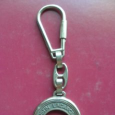 Colecionismo de porta-chaves: ANTIGUO LLAVERO AGUSTIN LACARCEL S.A. GIN LIRIOS, ANIS MARIA VICTORIA. Lote 61416559