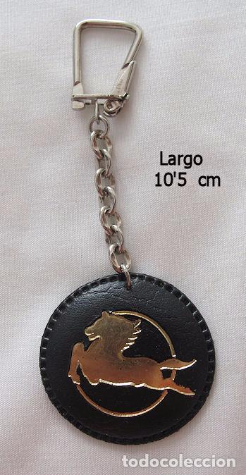LLAVERO ANTIGUO CAMION PEGASO CUERO (Coleccionismo - Llaveros)
