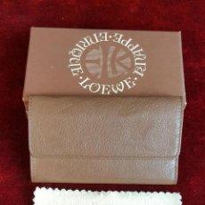 Coleccionismo de llaveros: LLAVERO DE PIEL. KNAPPE. ENRIQUE LOEWE. ESTUCHE ORIGINAL. CIRCA 1960. . Lote 90981150