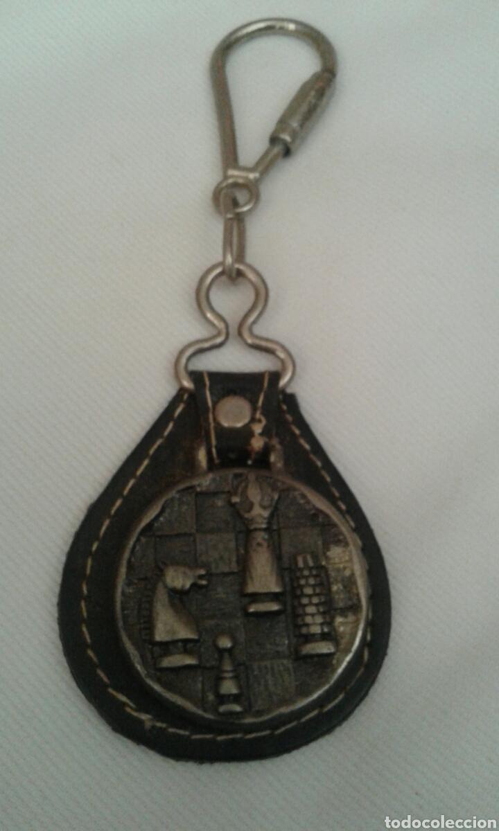 Coleccionismo de llaveros: Llavero metal cuero ajedrez - Foto 2 - 95943327