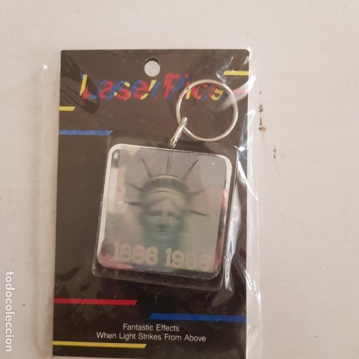 LLAVERO TRIDEMENSIONAL LASER PICS (Coleccionismo - Llaveros)