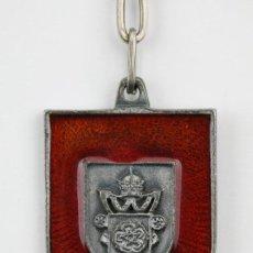 Coleccionismo de llaveros: LLAVERO DE METAL ESMALTADO - ESCUDO AJUNTAMENT / AYUNTAMIENTO DE REUS - MEDIDAS 3,5 X 4,5 CM. Lote 128343391