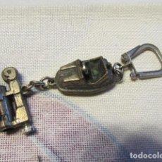 Coleccionismo de llaveros: M69 LLAVERO COCHE DE CHOQUE CON MECHERO CHISQUERO. AÑOS 70.. Lote 136256014