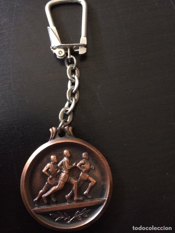 Coleccionismo de llaveros: Llavero carrera atletismo jean bouin de barcelona - Foto 2 - 144765208