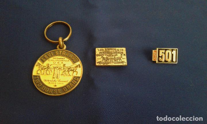 LEVI STRAUSS PINS Y LLAVEROS (Coleccionismo - Llaveros)
