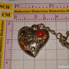 Coleccionismo de llaveros: LLAVERO CORAZÓN DE METAL. TE QUIERO. Lote 147408518