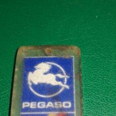 Coleccionismo de llaveros: LLAVERO METACRILATO PEGASO. Lote 157935420