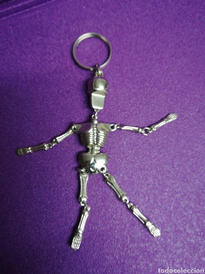Coleccionismo de llaveros: Llavero de esqueleto metálico. Halloween. Móvil. Articulado - Foto 2 - 159433476