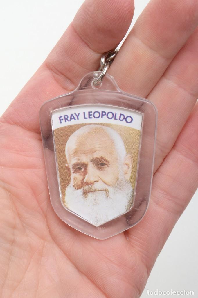 LLAVERO VINTAGE DE FRAY LEOPOLDO, LLAVERO RELIGIOSO, LLAVERO CATÓLICO, LLAVERO METACRILATO (Coleccionismo - Llaveros)