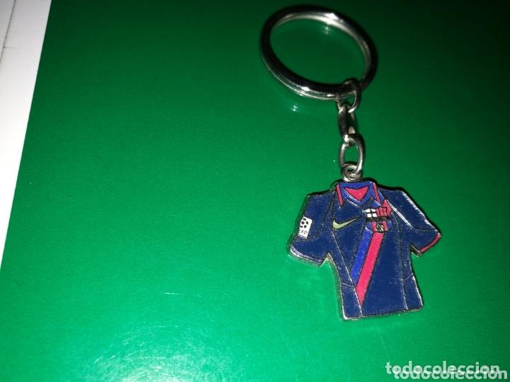 ANTIGUO LLAVERO CAMISETA FC BARCELONA (Coleccionismo - Llaveros)