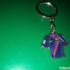 Coleccionismo de llaveros: ANTIGUO LLAVERO CAMISETA FC BARCELONA. Lote 174266678