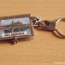Coleccionismo de llaveros: SALAMANCA. CON POSTALES MUY PEQUEÑAS DENTRO. 3X3,5 CM. BUEN ESTADO. . Lote 176829987