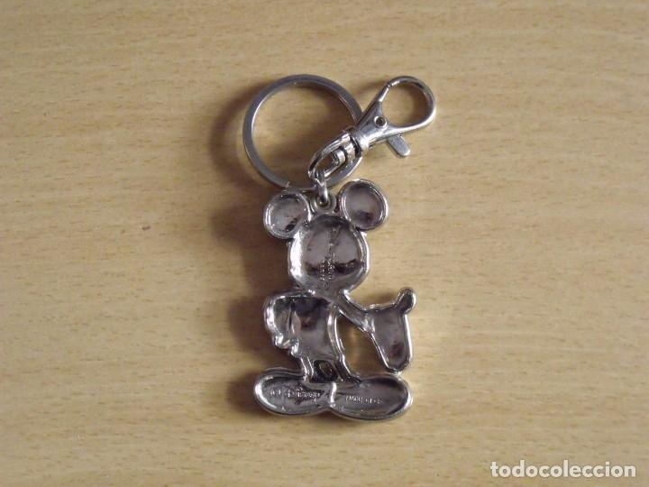 Coleccionismo de llaveros: Llavero oficial Mickey Mouse. Disney. Disneyland Paris. Buen estado. 6x4 cm. - Foto 2 - 177284520