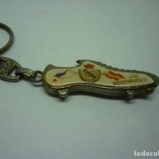 Coleccionismo de llaveros: LLAVERO CON BOTA DEL REAL MADRID. Lote 179192200
