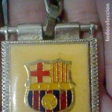 Coleccionismo de llaveros: BARCELONA F CLUB FUTBOL DORSO BANDERA. Lote 181496570