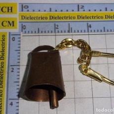 Coleccionismo de llaveros: ANTIGUO LLAVERO DE MINIATURAS FIGURITAS. CAMPANA CAMPANILLA. Lote 183585675