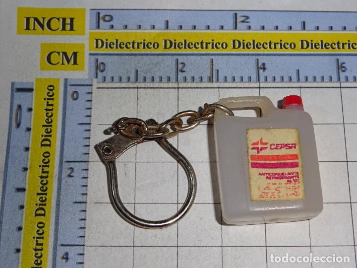 LLAVERO DE MINIATURAS. GARRAFA LUBRICANTES CEPSA (Coleccionismo - Llaveros)