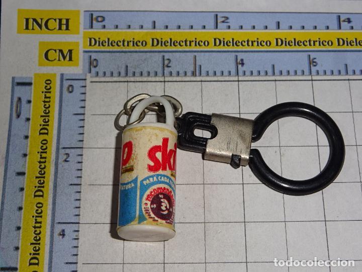 LLAVERO DE MINIATURAS. TAMBOR DE DETERGENTE SKIP (Coleccionismo - Llaveros)