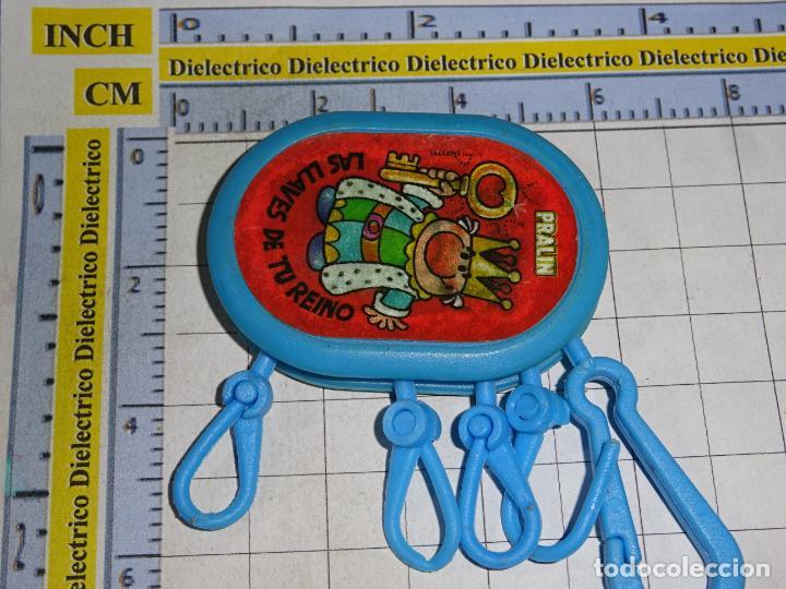 LLAVERO DE FIGURITAS MINIATURAS. PRALIN CREMA DE CACAO LAS LLAVES DE TU REINO REY (Coleccionismo - Llaveros)
