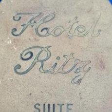 Coleccionismo de llaveros: LLAVERO HOTEL RITZ- SUITE V.I.P - ANTIGUO. Lote 194642723