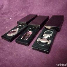 Coleccionismo de llaveros: LOTE DE 3 LLAVEROS RELACIONADOS CON COCHES, BMW, VOLANTE Y CONCESIONARIO, EN CAJAS ORIGINALES. Lote 194785678
