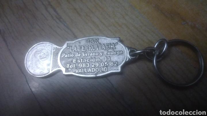 Coleccionismo de llaveros: Ferroviario. Llavero con locomotora. BAR LA FERROVIARIA. Calle estación. Valladolid. MUY RARO. - Foto 3 - 194905457