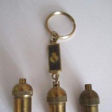 Coleccionismo de llaveros: LOTE LLAVERO BELLOTA REAL MADRID MAS 2 BELLOTAS BARÇA BRONCE. Lote 195089421