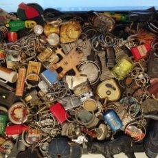 Coleccionismo de llaveros: LOTE DE 100 LLAVEROS VARIADOS. Lote 195114671