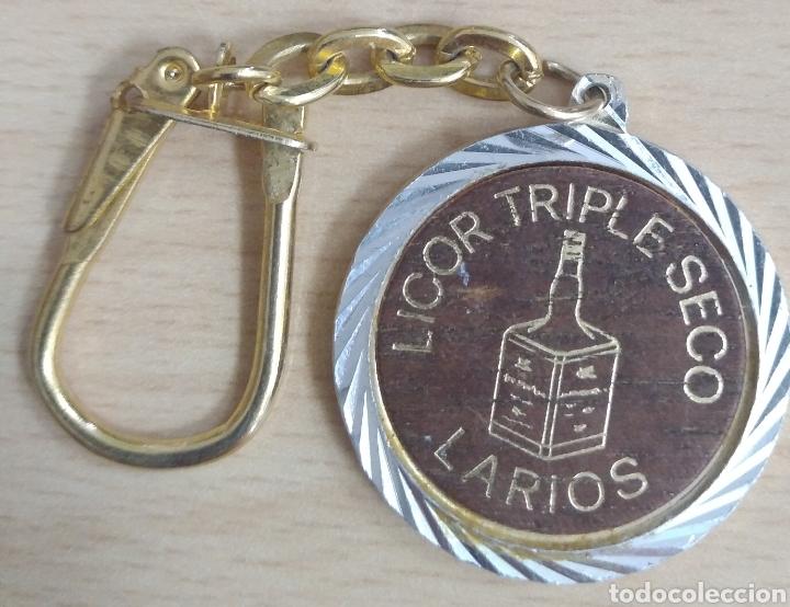 LLAVERO LICOR TRIPLE SECO LARIOS (Coleccionismo - Llaveros)