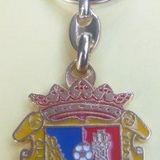 Coleccionismo de llaveros: LLAVERO ESCUDO EQUIPO DE FUTBOL - CLUB DE FUTBOL FUENLABRADA. Lote 195508703