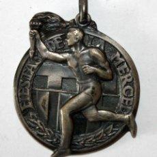 Coleccionismo de llaveros: LLAVERO CONMEMORATIVO DE LAS FIESTAS DE LA MERCED. BARCELONA. ATLETISMO. AÑO 1956. Lote 201190536