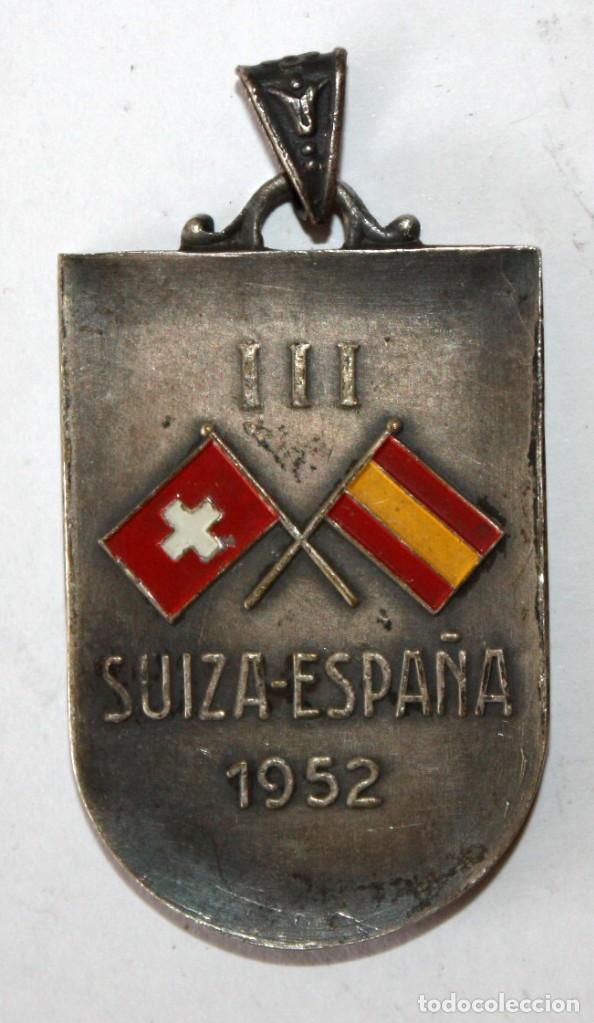 LLAVERO DE LA FEDERACION ESPAÑOLA DE NATACION. SUIZA. ESPAÑA. AÑO 1952 (Coleccionismo - Llaveros)