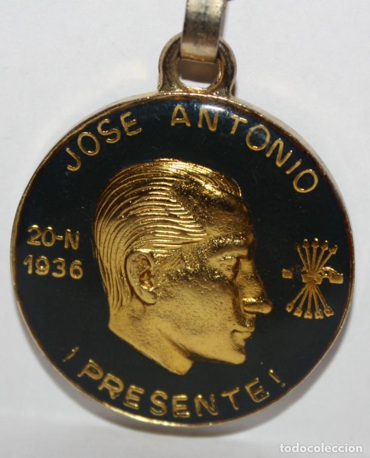 Coleccionismo de llaveros: LLAVERO DE JOSE ANTONIO PRIMO DE RIVERA - FRANCISCO FRANCO BAHAMONDE - Foto 3 - 203805395