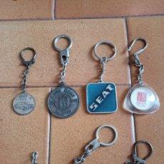 Coleccionismo de llaveros: LOTE LLAVEROS ANTIGUOS SEAT 7 UNIDADES FIAT SERVICIO OFICIAL ESCUELA FÁBRICA. Lote 196023435