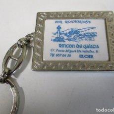 Coleccionismo de llaveros: LLAVERO ANTIGUO DE LA VIRGEN DE ELCHE Y RESTAURANTE RINCON DE GALICIA. Lote 204677107