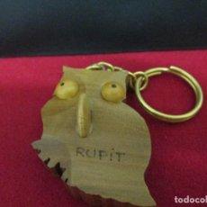 Coleccionismo de llaveros: LECHUZA RECUERDO DE RUPIT MADERA. Lote 206841350