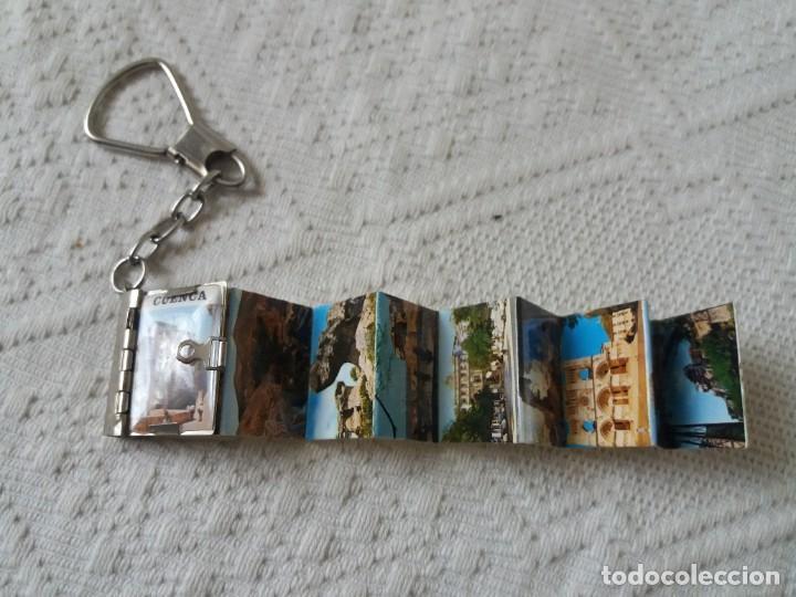 Coleccionismo de llaveros: Llavero. Souvenir recuerdo de Cuenca. Libro de postales. Vintage. Buen estado. - Foto 2 - 213450362