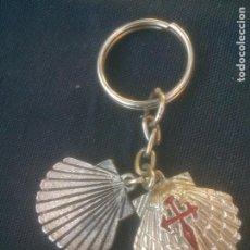 Coleccionismo de llaveros: ANTIGUO LLAVERO METALICO SANTIAGO CAMINO. Lote 213672471