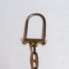 Colecionismo de porta-chaves: LLAVERO JUAN CARLOS I Y DOÑA SOFIA-ESCUDO CASA REAL. Lote 219162598