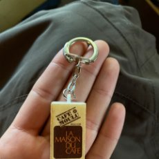Coleccionismo de llaveros: LLAVERO LA MAISON DU CAFÉ- CAFÉ MOULU. Lote 230693685