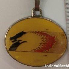 Coleccionismo de llaveros: ANTIGUO LLAVERO PEGASO TRONER. Lote 236242055