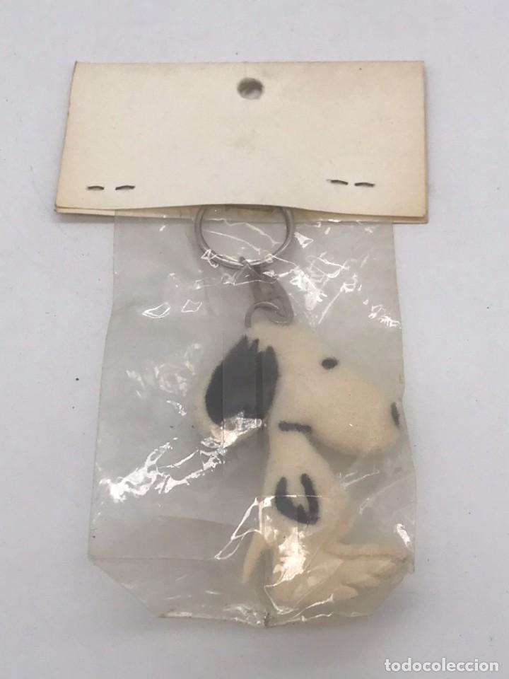 Coleccionismo de llaveros: ANTIGUO LLAVERO AÑOS 80 SNOOPY - Foto 2 - 251588035