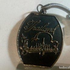 Colecionismo de porta-chaves: LLAVERO ANTIGUO DE RECUERDO DE THAILANDIA DE METAL TAILANDIA , COCHE LOTE. Lote 252993985