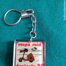 Coleccionismo de llaveros: LLAVERO VESPA RAID DESIERTO 81. Lote 253814655