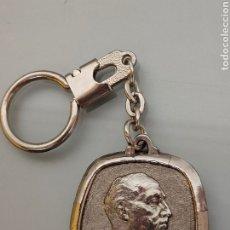 Coleccionismo de llaveros: ANTIGUO LLAVERO FRANCISCO FRANCO 1892-1975 FUNDACIÓN NACIONAL FCO. FRANCO. Lote 255527690