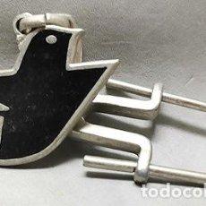 Coleccionismo de llaveros: LLAVERO DE METAL ESMALTADO PAJARERIA EL RUISEÑOR, SEVILLA - LLAV-14001 - B-436. Lote 269060748
