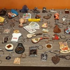 Coleccionismo de llaveros: LOTE DE 55 LLAVEROS VINTAGE (VER FOTOS). Lote 269065303
