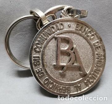 LLAVERO DE METAL BANCO DE ANDALUCIA AL SERVICIO DE SU COMUNIDAD - LLAV-14012 - B-436 (Coleccionismo - Llaveros)