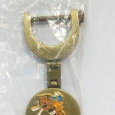 Coleccionismo de llaveros: LLAVERO MARLBORO CON FORMA DE ESTRIBO, COWBOY A CABALLO, PRECINTADO. Lote 269824983